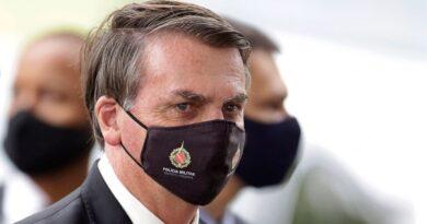 A medida que el virus se propaga, Bolsonaro está bajo presión militar.