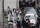 La investigación terrorista se abrió después de que el esposo y la esposa fueron asesinados a puñaladas frente a la antigua oficina de Charlie Hebdo en París.