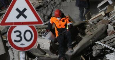 El número de muertos en terremotos en Turquía, la isla griega, es de 39