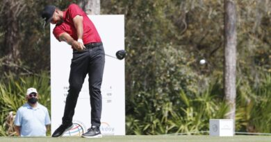 Varios golfistas del PGA Tour visten de rojo en honor a Tiger Woods