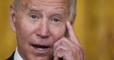 Problemas en la cadena de suministro llevan a Fox News a culpar a Biden por arruinar la Navidad