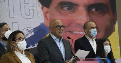 Venezuela suspende conversaciones tras extradición de aliados de Maduro a EE. UU.